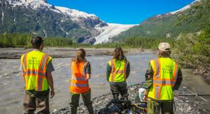 SCA Invasive plant removal interns ponder the enormity of their task at Kenai Fjords National Park