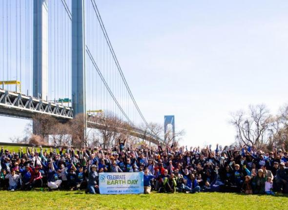 370 volunteers gather below the Verrazano Bridge