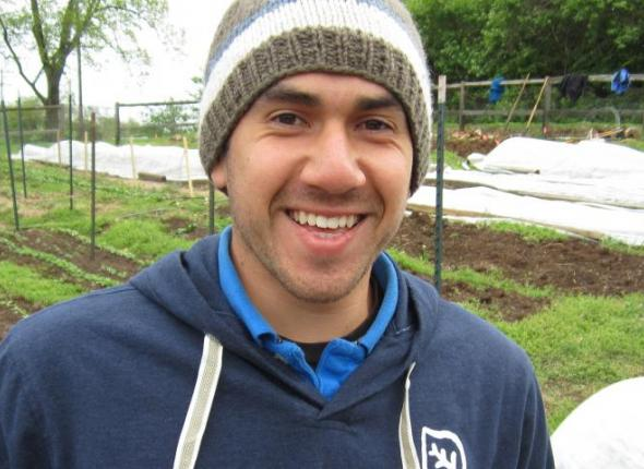 Mike Vasquez volunteers at the Nashville Food Project