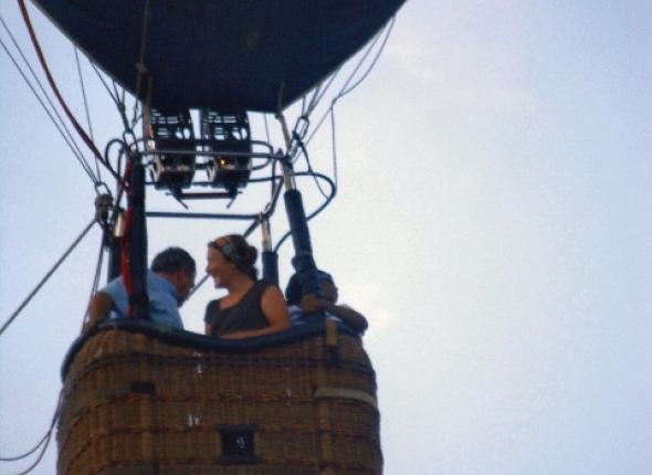 Sophie and Nakeda go on a hot air balloon ride....!