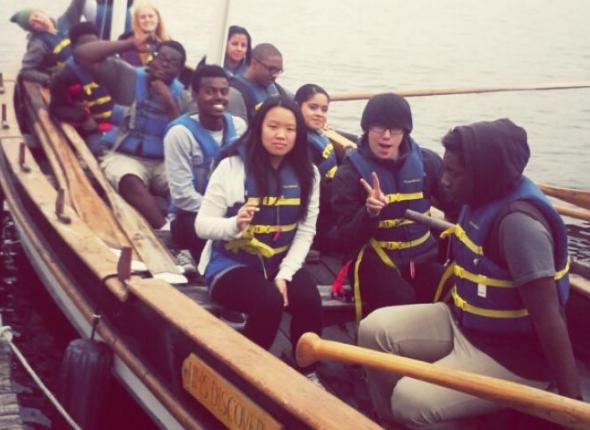 Look at the crewmembers all ready to start rowing!